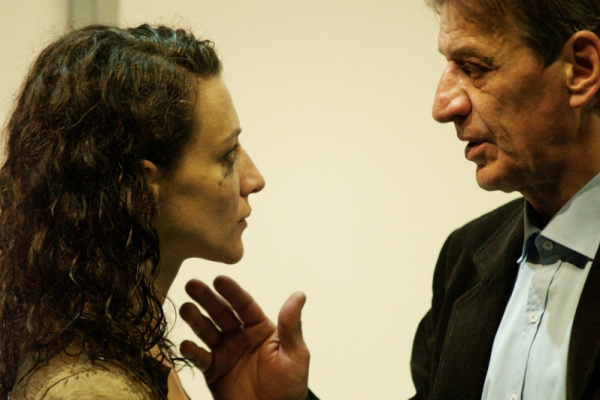 Mucsi Zoltán és Pető Kata David Harrower Blackbird című darabjában