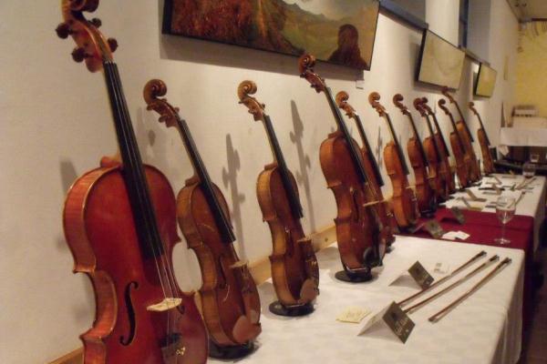 Vine&Violin Hegedűkészítők Szalonja a Fonóban