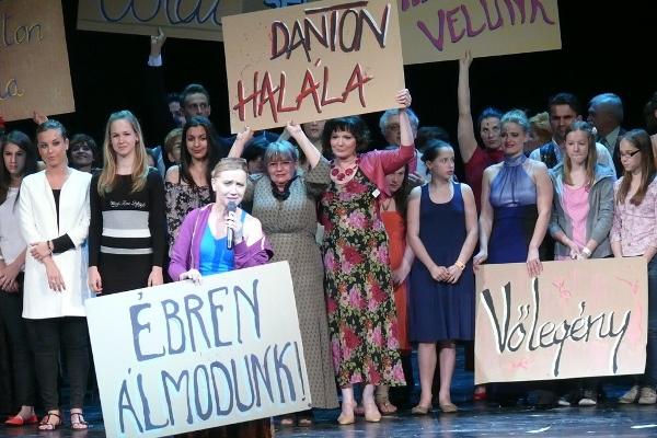 A Csárdáskirálynő próbája a Vígszínházban a Színházak Éjszakáján