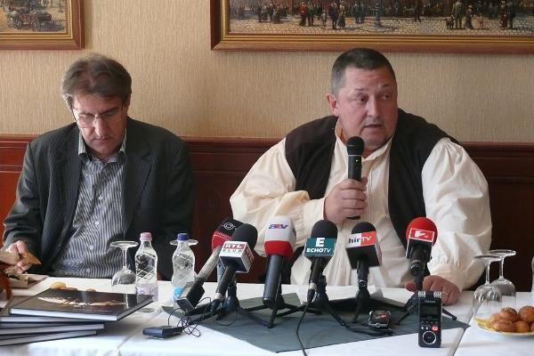 Eperjes Károly és Vidnyánszky Attila a Nemzeti Színház 2013. május 3-i sajtótájékoztatóján