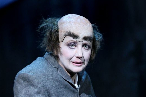 Eszenyi Enikő - Jóembert keresünk, Vígszínház