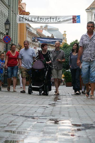 A pécsi sétálóutcák közönsége - 13. Pécsi Országos Színházi Találkozó - 3. nap