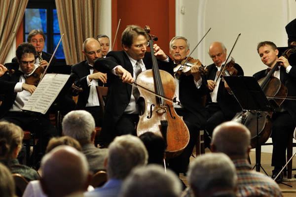 Plein Air koncertek I. Az 50 éves Liszt Ferenc Kamarazenekarral és Somodari Péterrel