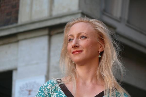 Szandtner Anna az Örkény kert színpadán