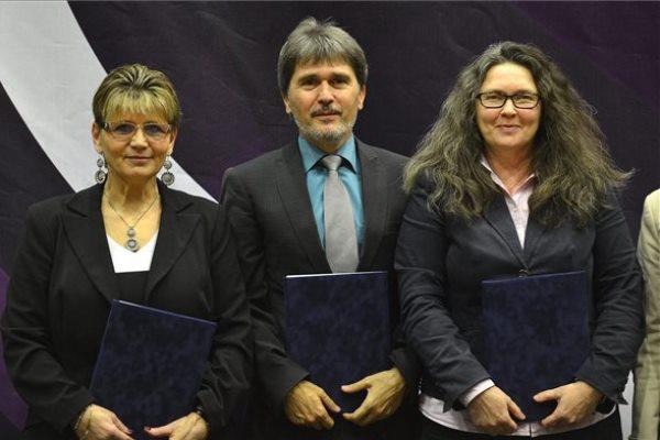 Hajnissné Anda Éva, Szabó László Zsolt és Borbély-Urquhart Julianna