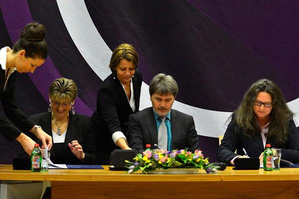 A megállapodás aláírása az MR Gyermekkorús finanszírozásáról