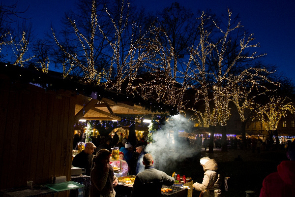 Téli fesztivál a Városháza Parkban