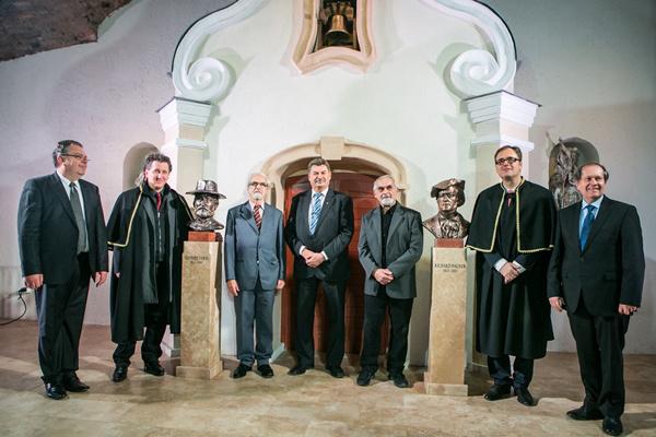 Békési Imre, Ókovács Szilveszter, Huber József, Szabolcs Attila, Pogáts István, Káel Csaba, Záborszky Kálmán Budafok Borvárosban