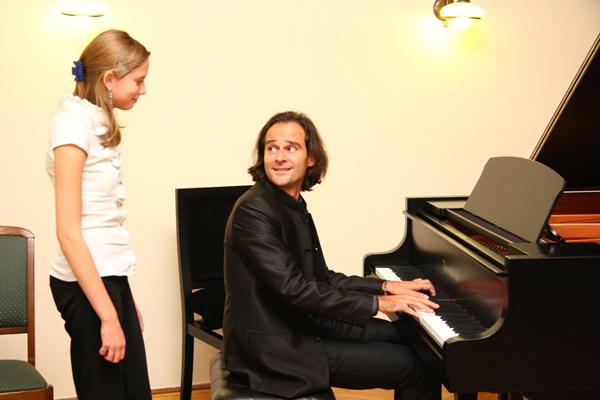 Bogányi Gegely mesterkurzut tart a Liszt-év alkalmából