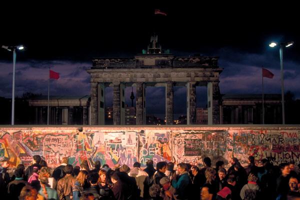 Graffitik a berlini falon