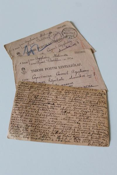 Tábori levelezőlapok