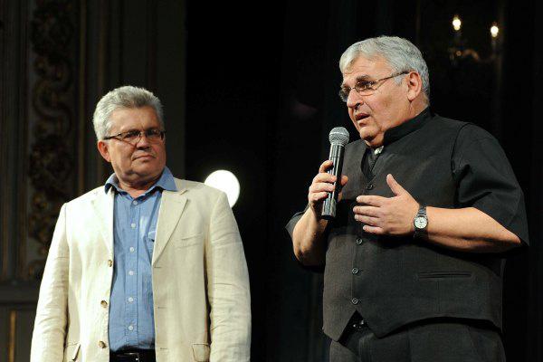 A fesztiváligazgatók: Márta István és Stenczer Béla - A XII. Pécsi Országos Színházi Találkozó díjátadó gálája