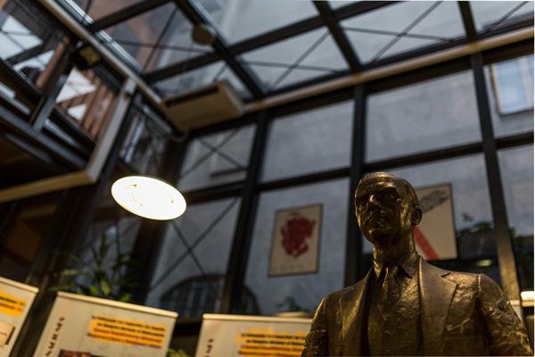 Múzeumok éjszakája 2014 - Cervantes Intézet, kiállítás Ángel Sanz Briz spanyol diplomata emlékére