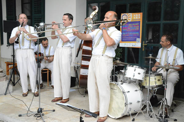 Hot Jazz Band