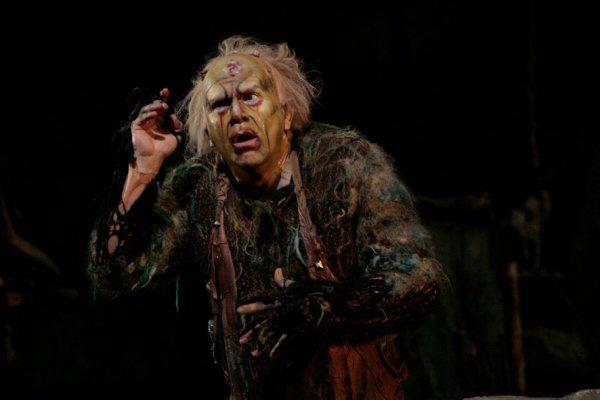 Robert Brubaker Mime szerepében a Metropolitan színpadán