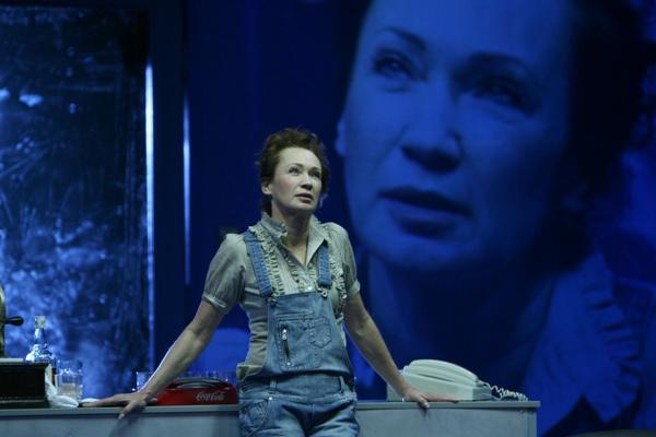A Nemzeti Színház 2009/2010-es évada - Orfeusz alászáll - Udvaros Dorottya