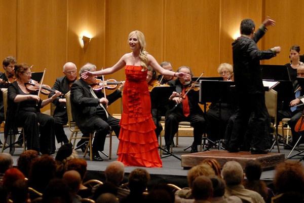 A Jeruzsálemi Szimfonikus Zenekar első vendégkarnagya és a Philharmonia Singers Tel Aviv művészeti tanácsadója, az Israel Chamber Orchestra vendégkarmestere - 2010
