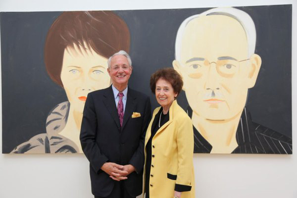 Karlheinz Essl és felesége a róluk készült portré előtt
