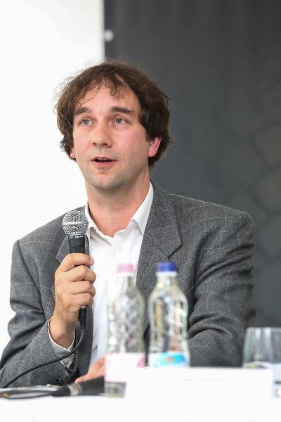 dr. Komáromi György