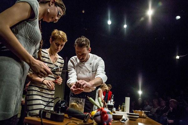 Színházak éjszakája 2014 - Gasztroszínház az operettben