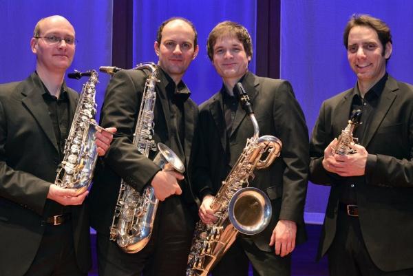 Óbudai Danubia Zenekar - Budapest Szaxofon Quartet