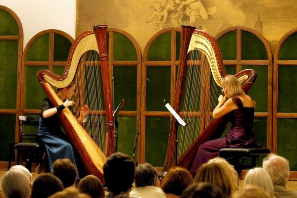 Liszt és a hárfa