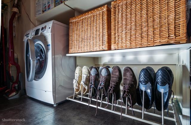 Tippek, ha már az egész lakást elárasztották a cipők Dívány