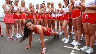Ezek a szexi angol lányok az ön kedvét is meghozzák a testmozgáshoz