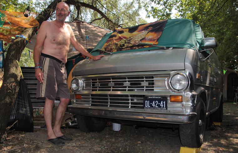 Veterán busz nyugdíjas holland gazdája