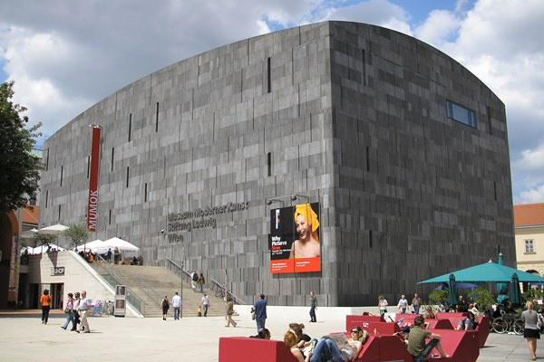 Museum moderner Kunst (Forrás: Wikipedia)