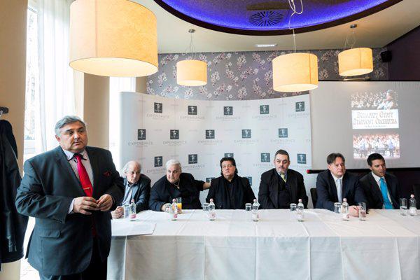 Beke Farkas Nándor a 100 Tagú Cigányzenekar Sajtótájékoztatóján (Fotó: Mohai Balázs, MTI)