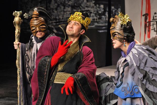 III. Richárd a Kínai Nemzeti Színház előadásában (Forrás: www.gyulaivarszinhaz.hu)