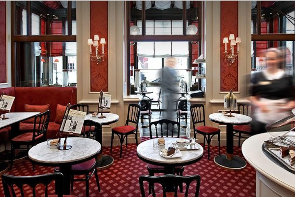 A sacher kávézó (Forrás: www.sacher.com)