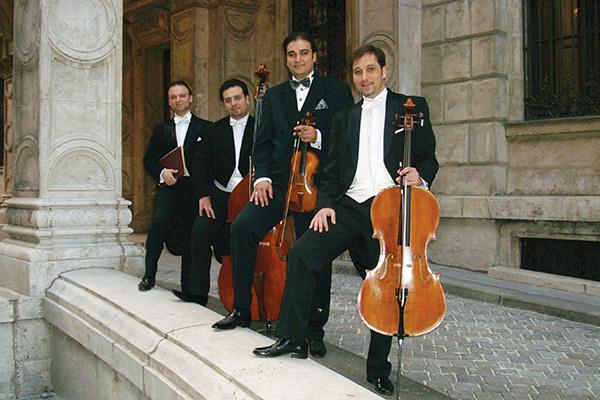 kék-Duna Koncert Szalonzenekar