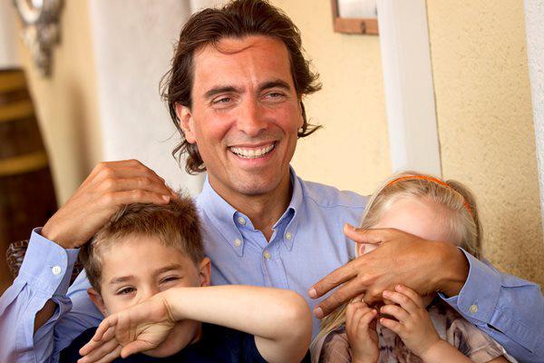 Carlo Ponti olasz karmester gyermekeivel (Fotó: Szigetváry Zsolt, MTI)