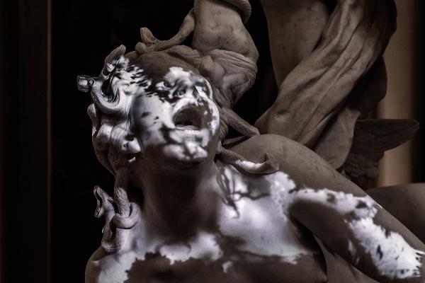 Perseus Slaying Medusa című szobor a Lyoni múzeumban