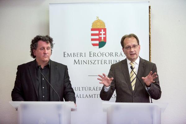 Ókovács Szilveszter és Hoppál Péter