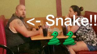 Gyógykígyójával ment vacsorázni a depressziós férfi