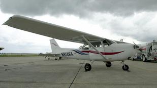 A levegőben ütközött össze két kisrepülő Kaliforniában