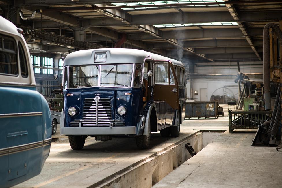A Mávag utolsó autóbusza, a Tr 5-ös. Ez volt egyben az 1949-ben indult Ikarus Karosszéria- és Járműgyár első gyártmánya, szám szerint öt darab.
