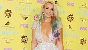 Britney Spears ribancos Hamupipőkének öltözött