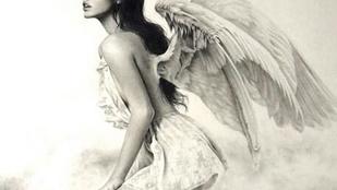 Kevés ruhában angyalkodik Palvin Barbara