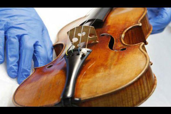 Stradivari (LipinskI)