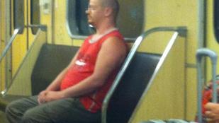 Elfogták a rendőrök a budapesti metró őrült rémét