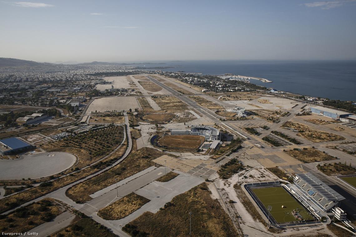 Így néz ki ma a levegőből a magára hagyott és lepusztult olimpiai park