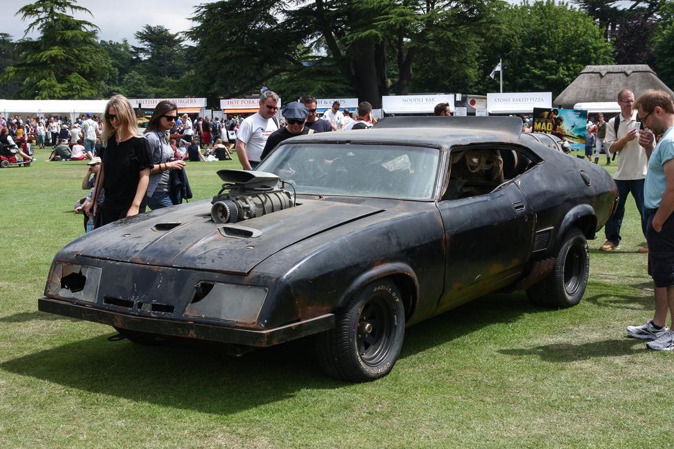 Max Rockatansky autója, a fura orrú Ford XB Falcon 351-ese – így megvan, hogy Mad Max? Itt az új, negyedik rész, volt miatta felhajtás Goodwoodban is.