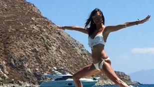 Alessandra Ambrosio továbbra sem kímél meg minket tökéletes testének látványától