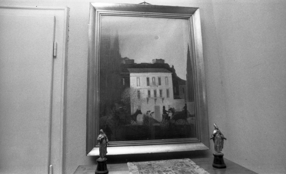 """Semmi nem jelezte az ajtón, hogy mögötte Magyarország legnagyobb Csontváry gyűjteménye található. Csengettem. Középkorú, kedves hölgy nyitotta ki az ajtót. Némi """"akcentussal beszélni a magyart"""", de kedvesen invitált be. Soha nem felejtem el azt az érzést, amit ott a nappali közepén éreztem. Gerlóczy jó nevű építész lévén könnyen rá tudott ígérni a budapesti fuvarosok által felkínált összegre, a kocsisok lemondtak a vásznakról, amiből pedig jó minőségű zsákokat varrathattak volna…"""