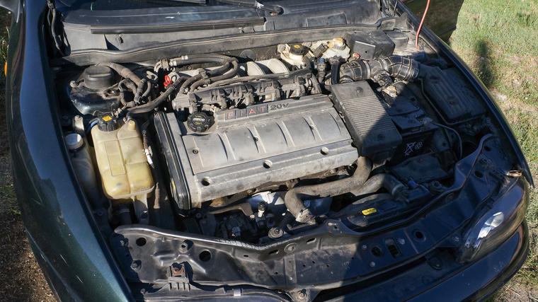 Miért érzem azt, hogy ezt a motort nem ebbe az autóba szánták eredetileg?