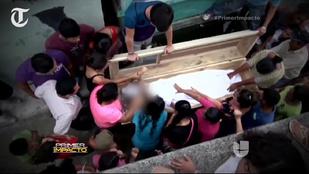 Élve temették el a tizenhatéves lányt
